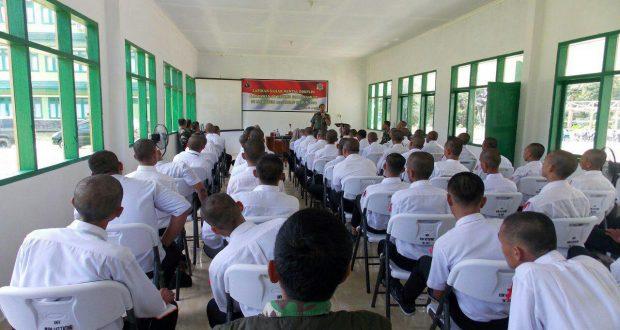 Danrem 142 Bekali Wasbang dan Kedisiplinan Bagi Karyawan PT RDM